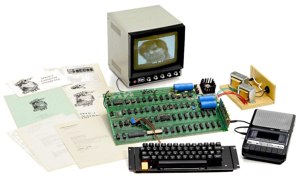 On July 25 the First Apple Computer Ever Created Is Being Auctioned for a Great Cause