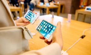 Despite Initial Demand, Apple's iPhone 7 Is Unlikely to Outsell the iPhone 6s, Analyst Predicts