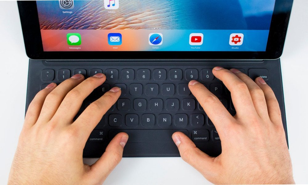 iPad Smart Keyboard Emoji