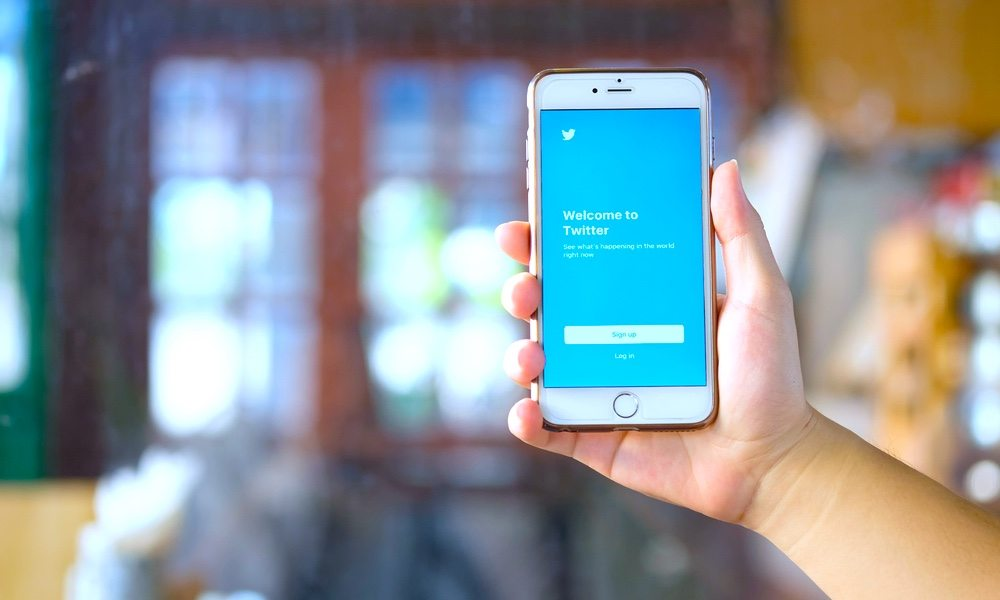 Save Space on Your iPhone By Clearing Twitter's Cache