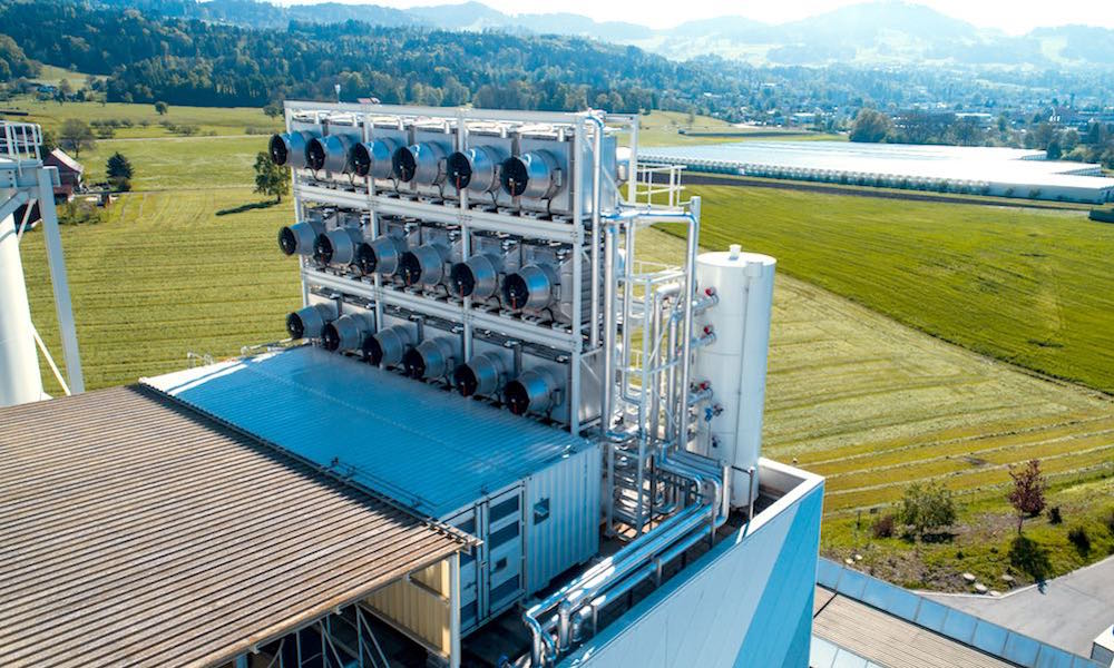 This Machine Sucks CO2 from the Air to Help Fight Climate Change