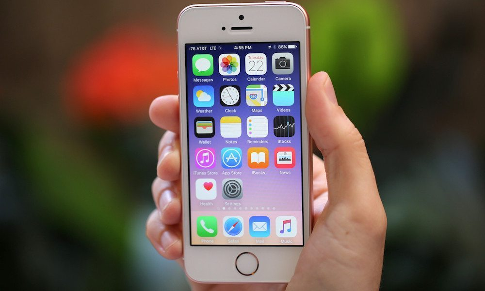 Apple Slashes iPhone Prices in Effort to Dominate India