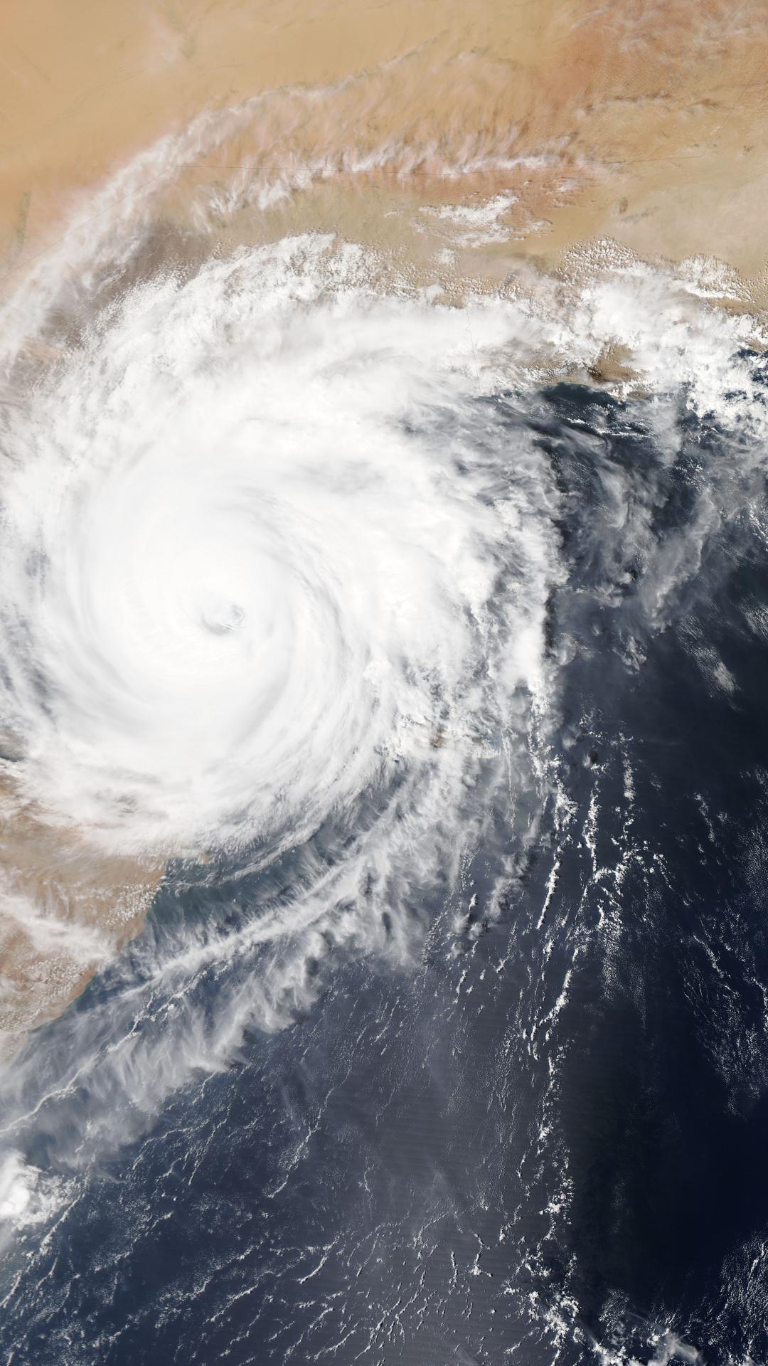 Hurricane iPhone Wallpaper
