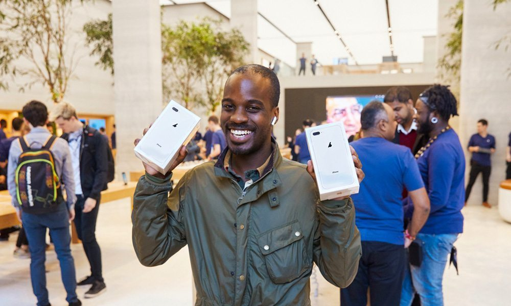 IPhone 8 launch sees dismal turnout