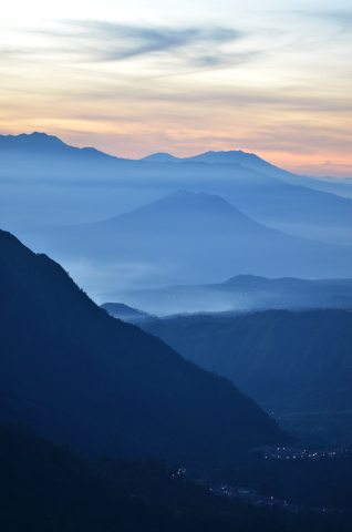 Sunrise-at-Mt-Bromo-iPhone-Wallpaper