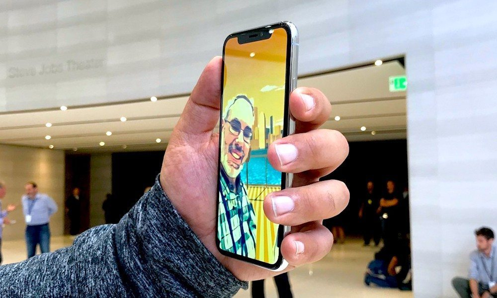 IPhone X Manufacturers Struggling With Facial Recognition Production Issues