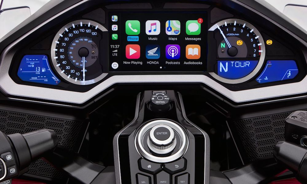 Honda's 2018 Gold Wing Is the First Motorcycle with Apple's CarPlay