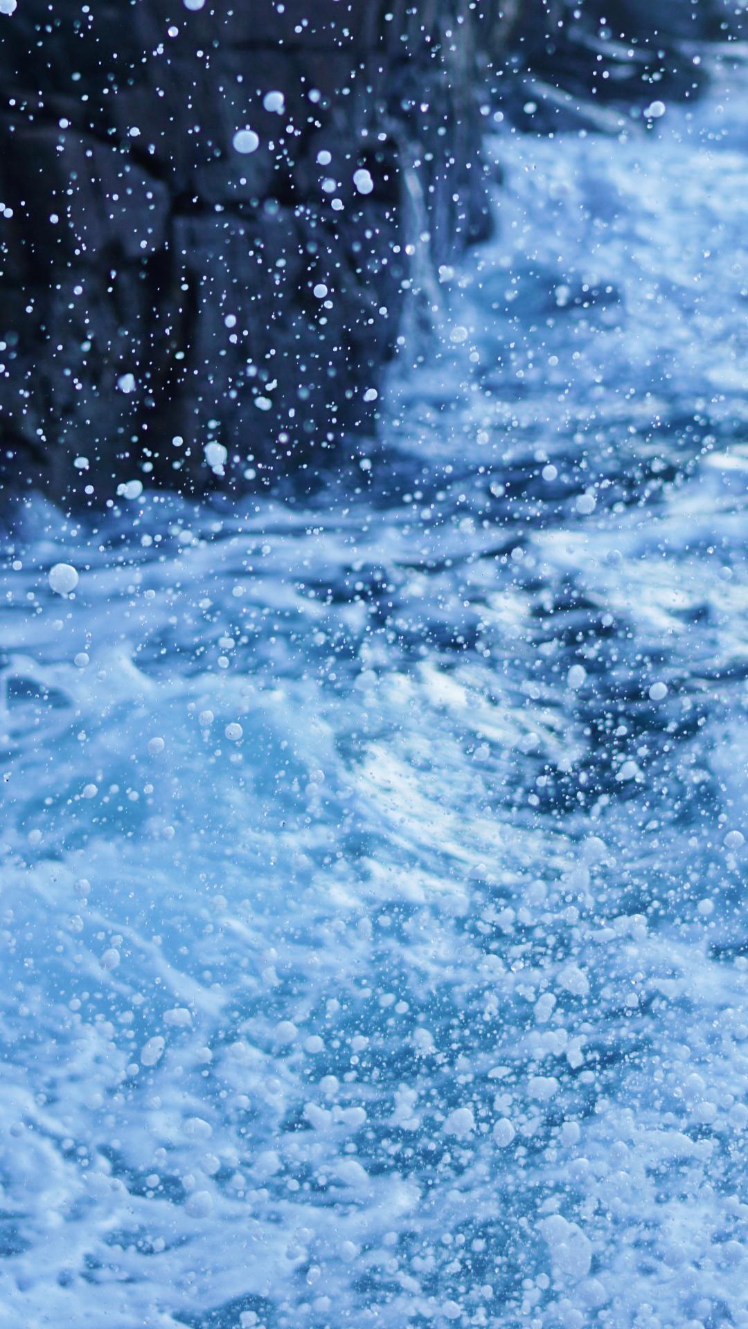 Splashing Water iPhone Wallpaper