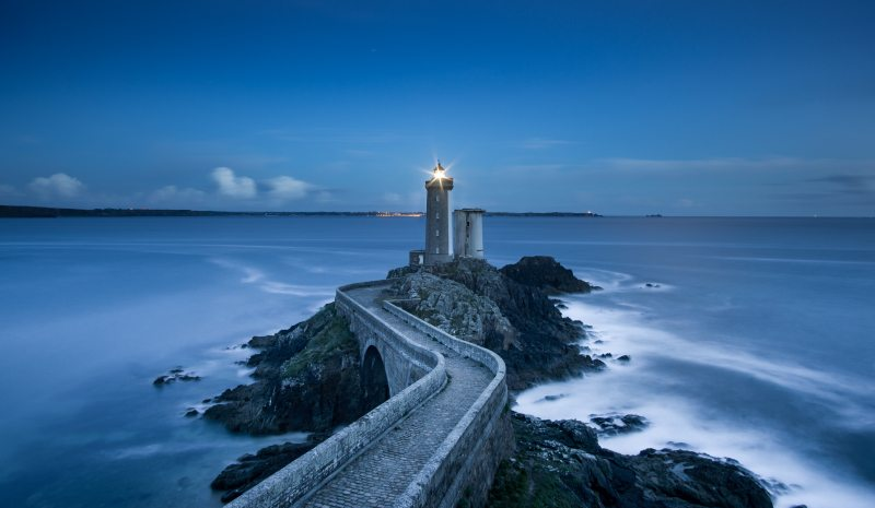 Lighthouse-Sea-iPhone-Wallpaper