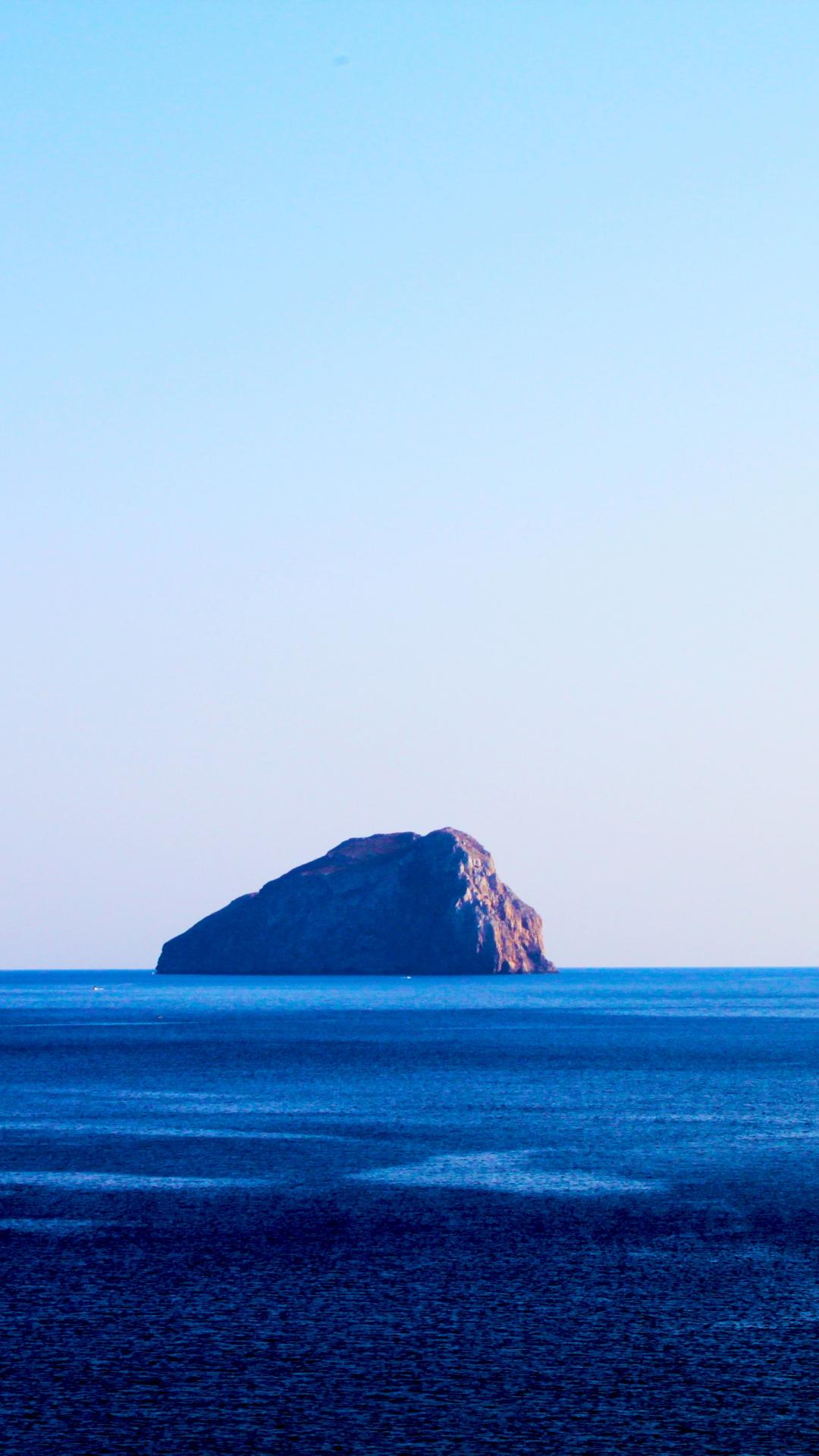 Water, Ocean, Island iPhone Wallpaper