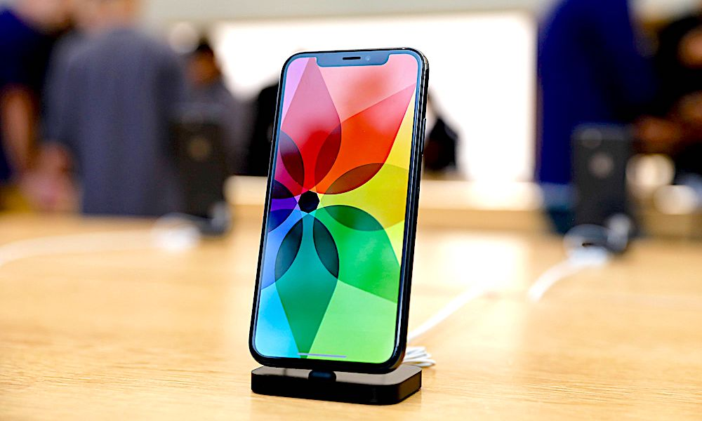iPhone-X-On-Display-Apple-Store