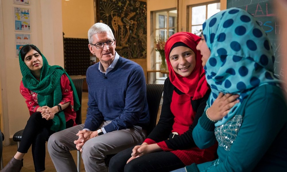 Apple-Tim-Cook-Malala-Fund-Girls-Education1