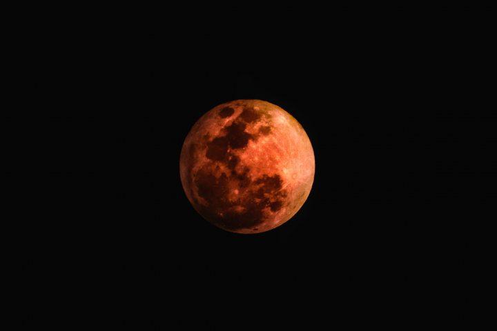 Full-Moon-iPhone-Wallpaper