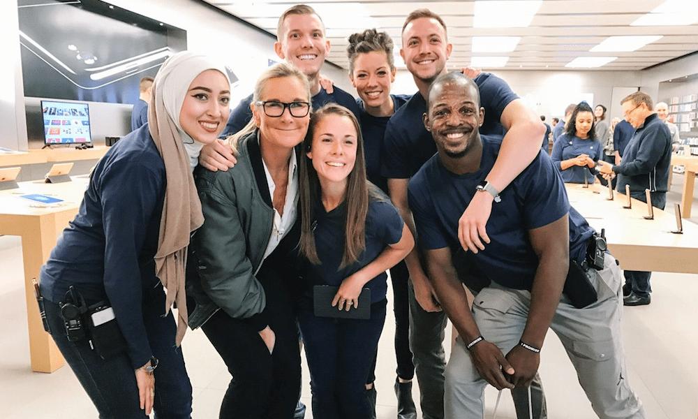Women At Apple