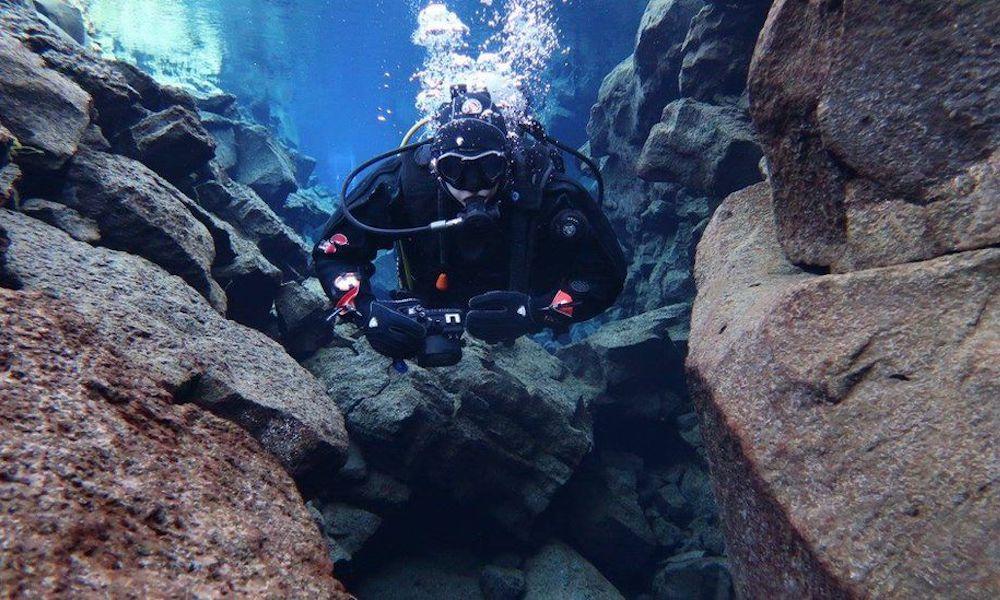 Scuba Diver Iphone Ocean Floor