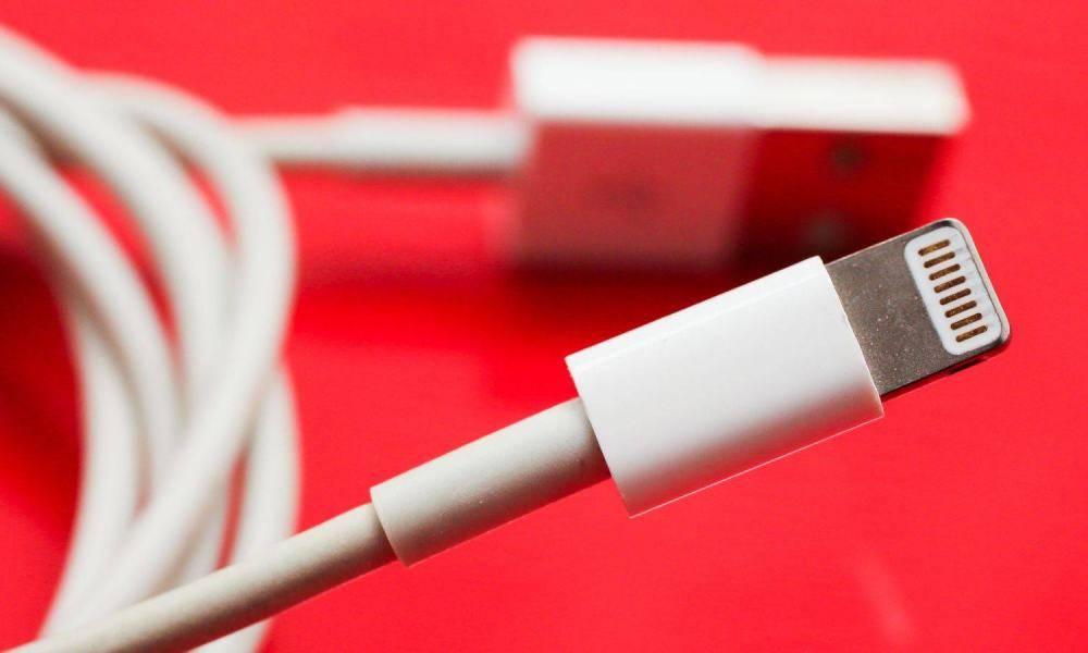 Apple Lightning Cord Iphone 1000x600
