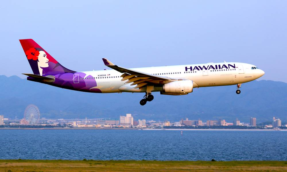 Hawaiian Airlines Flight Airdrop Photo