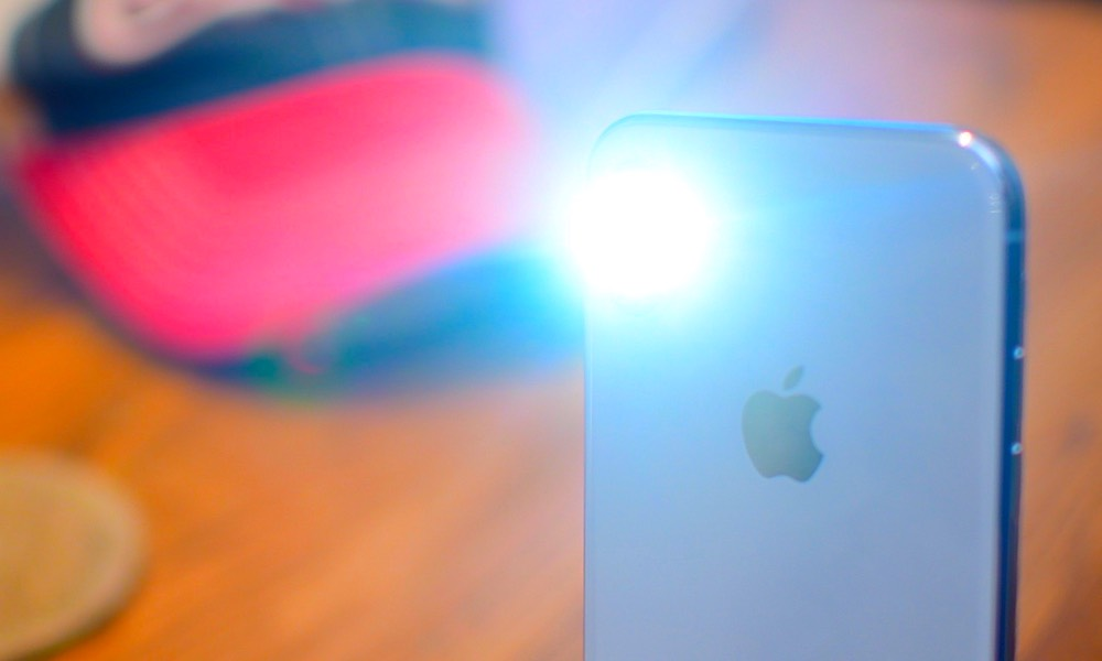 iphone turns on by itself how apple can solve its iphone x xs flashlight epidemic 17726