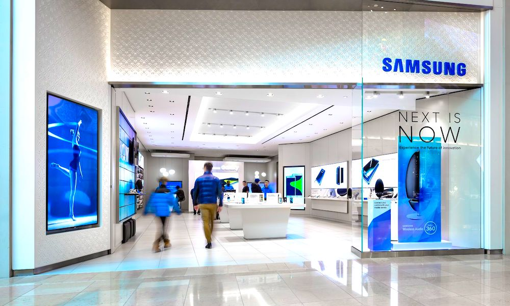 Samsung Will Open Full-Scale U.S. Retail Stores to Take on Apple