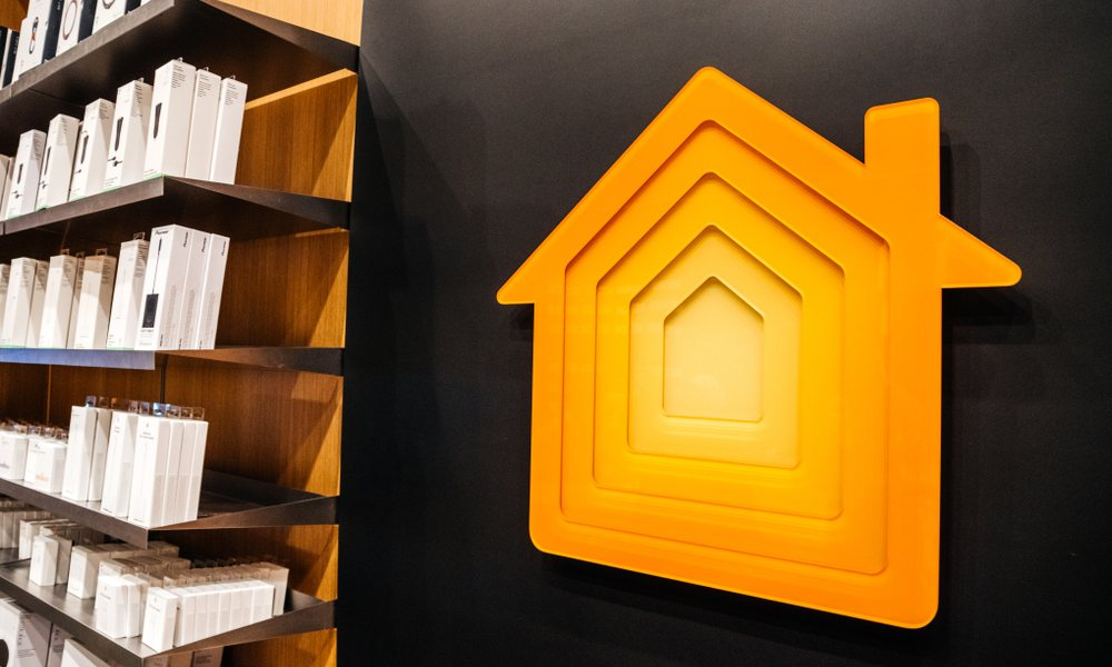 Apple Store Home Logo Display