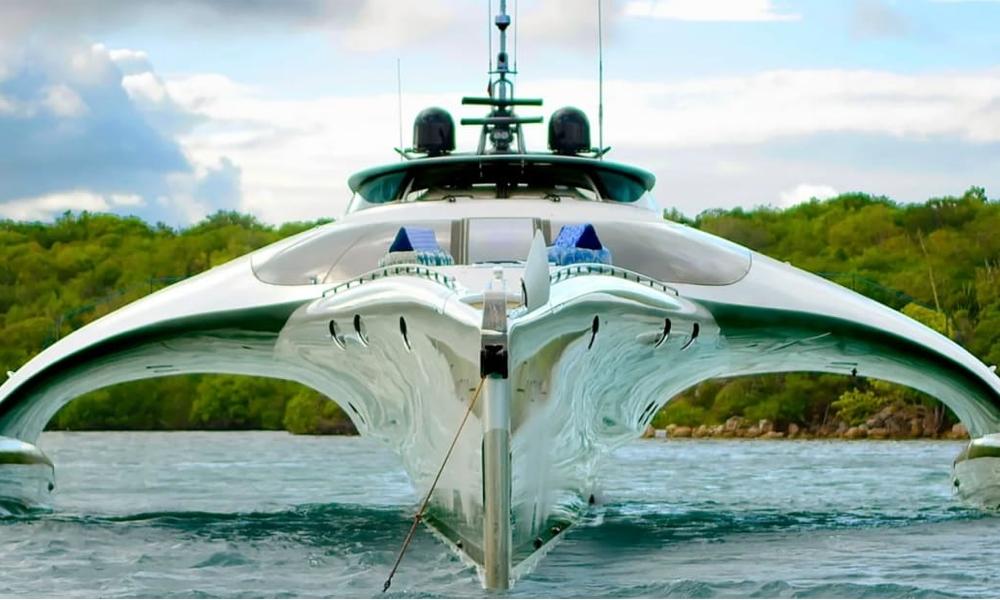 iPad Superyacht Adastra