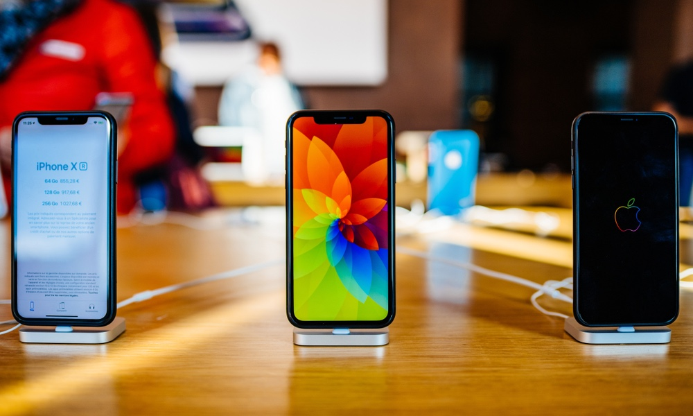 Iphone Xs In Apple Store