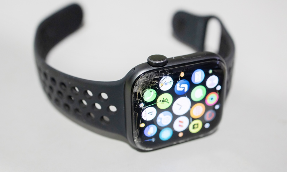 Apple Watch with cracked screen