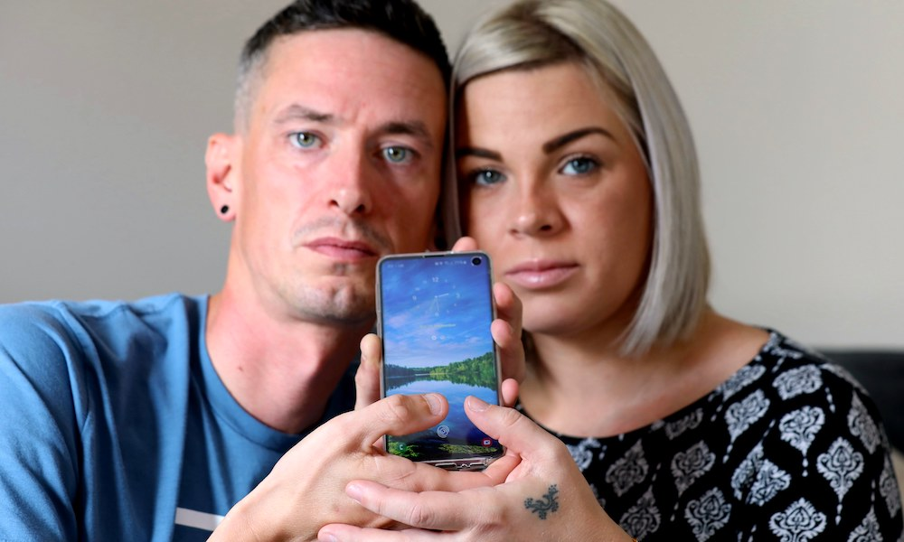 Husband Bypasses Fingerprint Reader on Wife's Galaxy S10 After Installing eBay Screen Protector