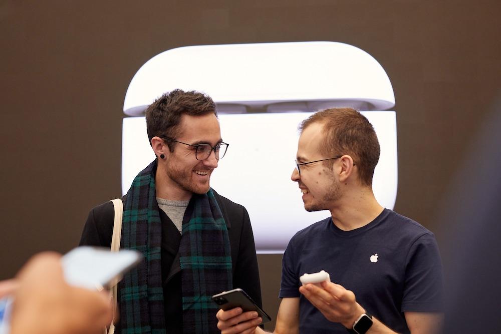 Apple Airpod Pro Launch London Customer Staff 10302019