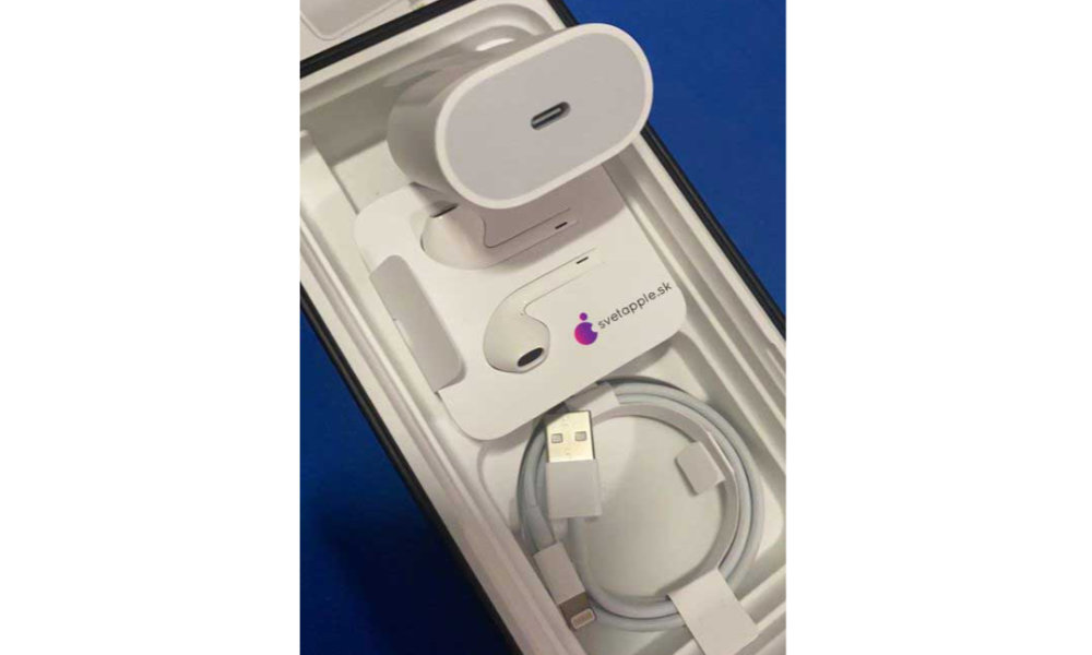 iPhone 11 Pro Max USB-C adapter USB-A cable