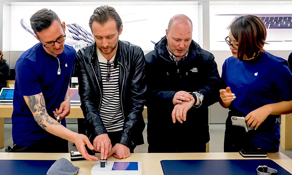 How to Save Money at the Apple Store