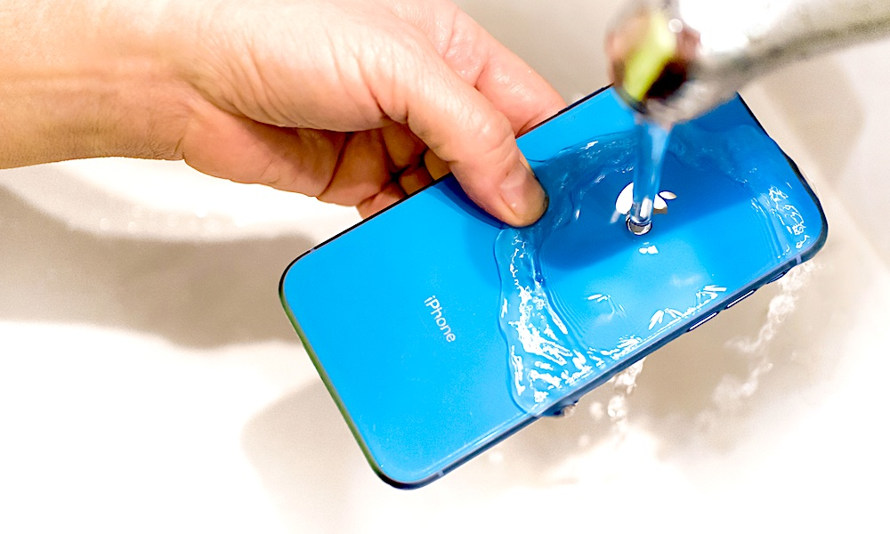 iPhone Water Resistance and Cleaning