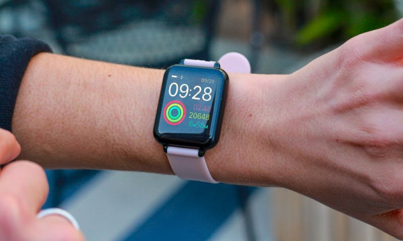 This $40 Apple Watch Clone Tracks Your Blood Pressure, Sleep, Activity (and More!)