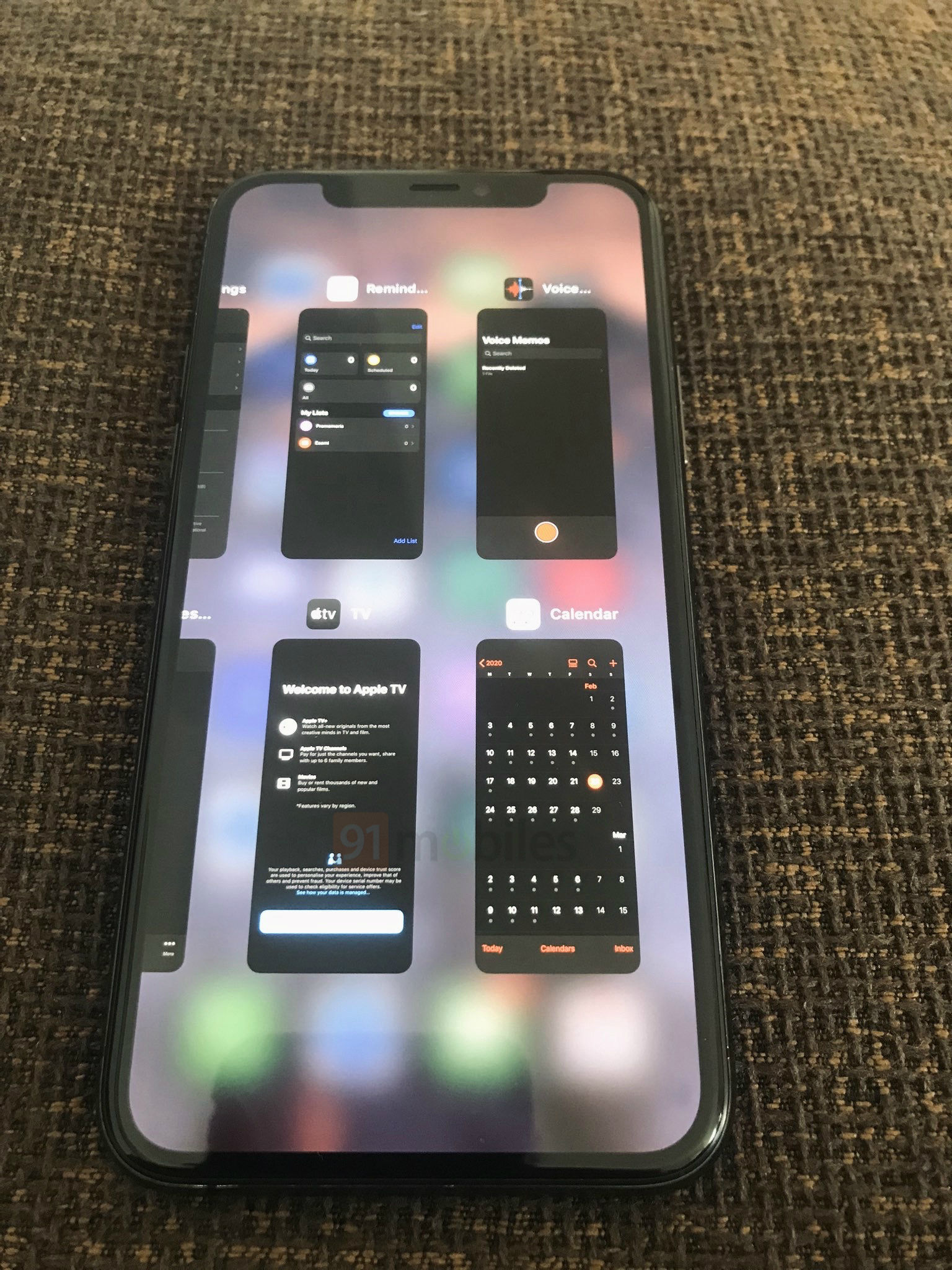 iOS 14 Grid Switcher on iPhone 4
