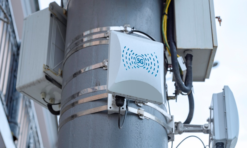 5G Cellular Repeaters on Pole