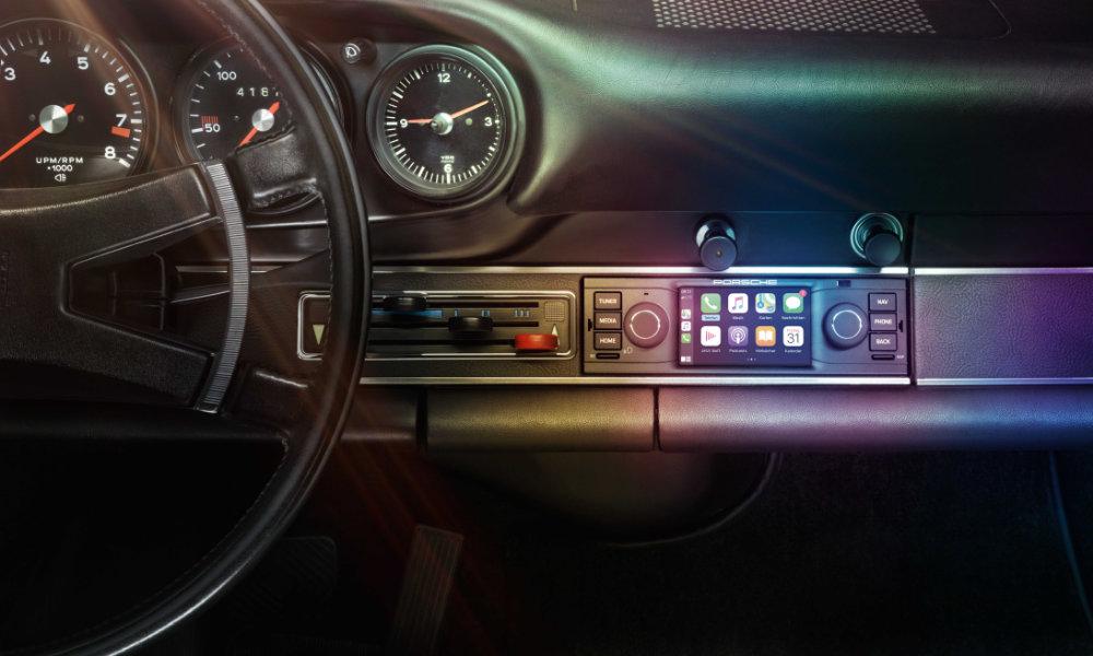 Porsche classic CarPlay vintage