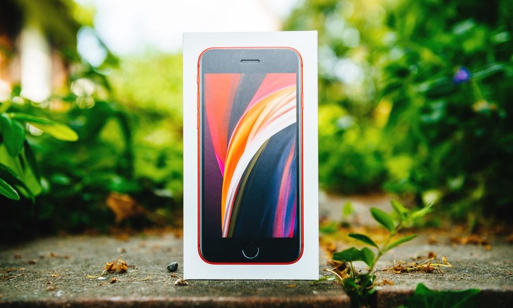 iPhone SE in Box