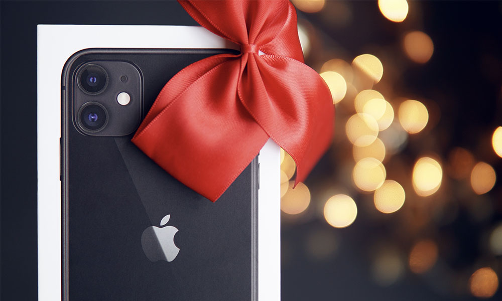 iPhone with Christmas bow