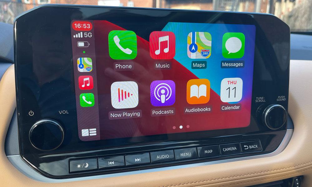 2021 Nissan Rogue CarPlay screen