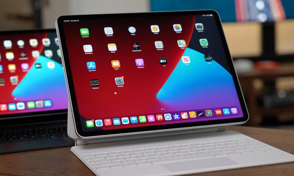 2021 iPad Pros with White Magic Keyboard