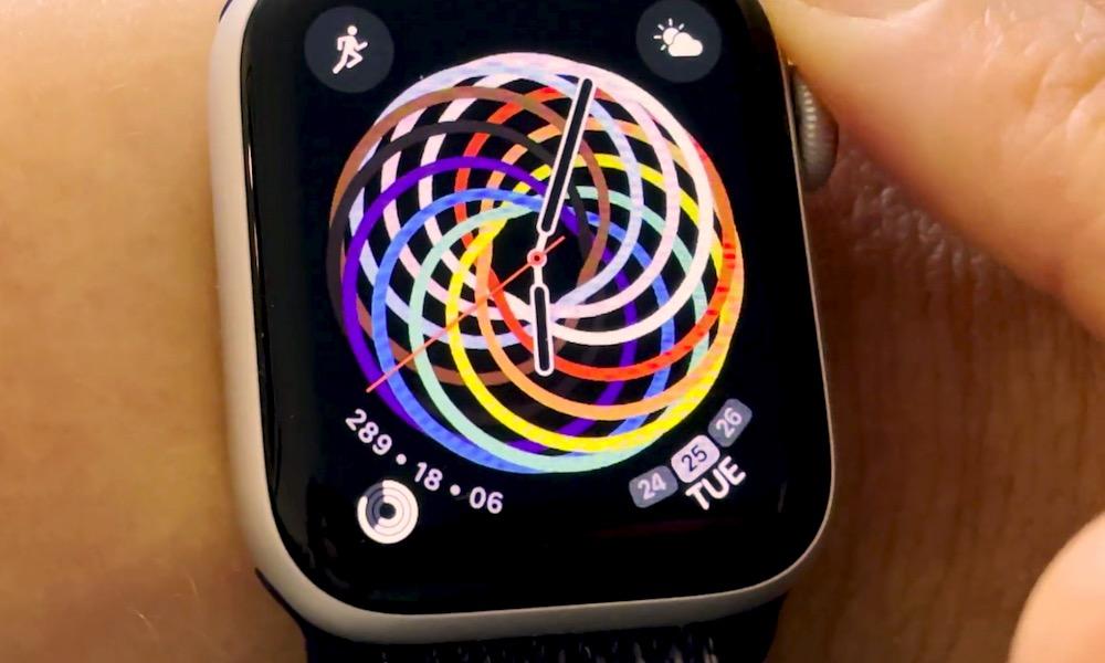 Apple Watch Pride Face open 151352