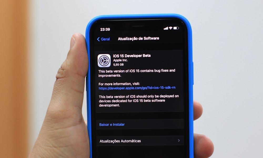 Downloading iOS 15