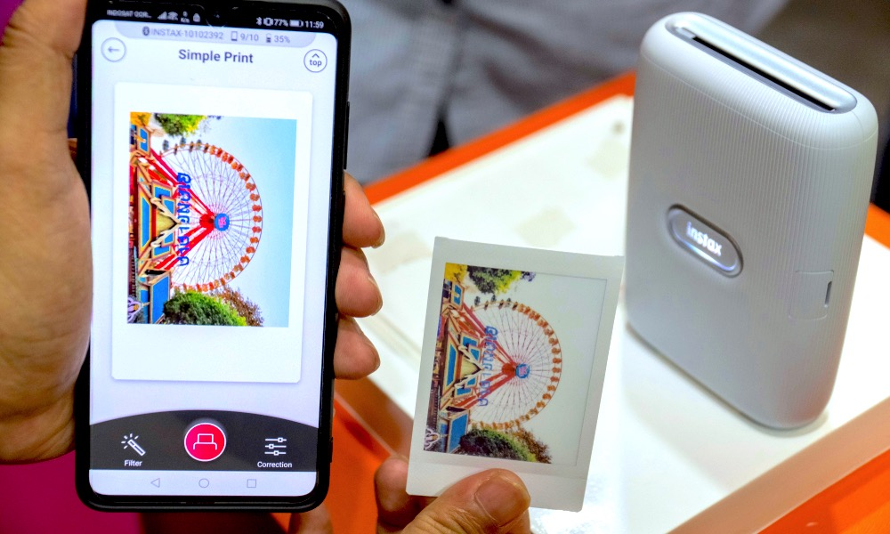 Instax Mini Link Printer Connected to Android Phone