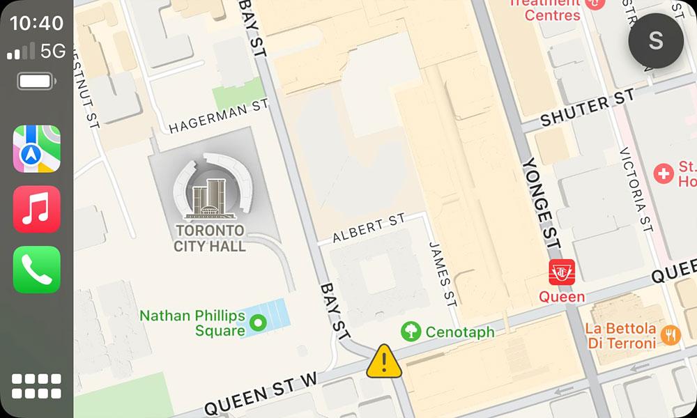 iOS 15 CarPlay Maps Toronto City Hall