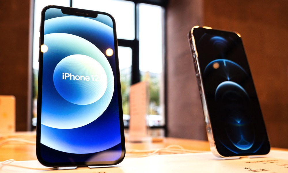 iPhone 12 and iPhone 12 Pron on Display at an Apple Store