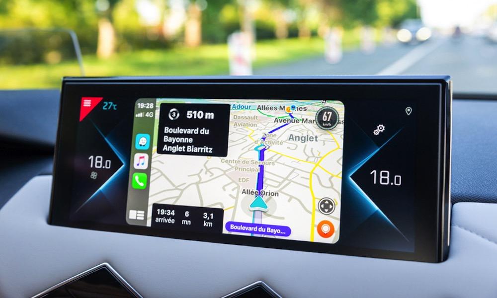Apple CarPlay Apps Waze